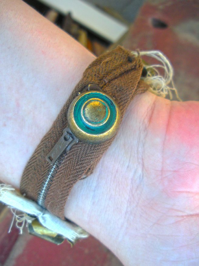 Zipper-button bracelet 2