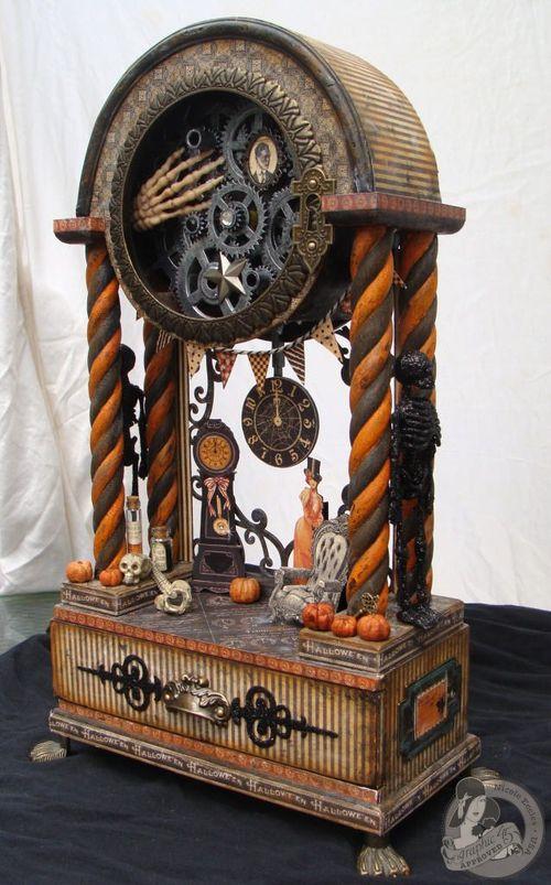 12 Nicole Eccles- August - G45 Happy Haunting Altered Clock