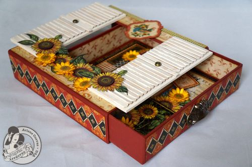 Arlenecuevas_G45CHA_FrenchCountry_8x8MatchbookBox_Photo17