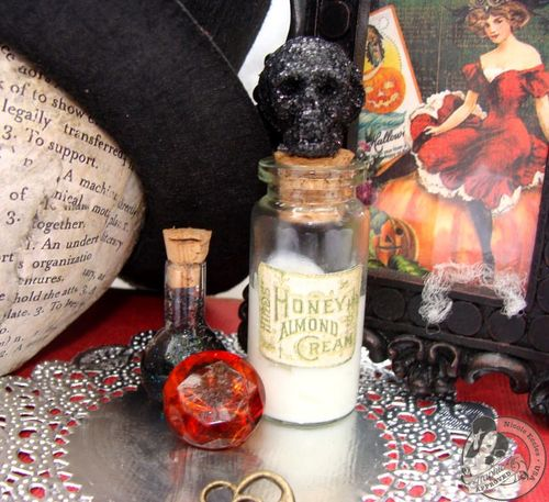 Nicole Eccles- G45 Happy Haunting- Altered Art Box Assemblage 9