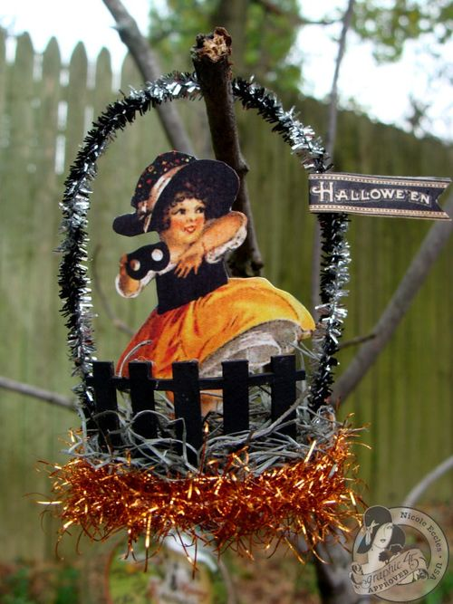 Nicole Eccles- September 1-2-Graphic 45 Happy Haunting - Simple Handmade Ornaments 14