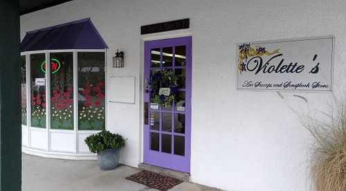 Violettes store front