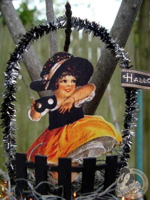 Nicole Eccles- September 1-2-Graphic 45 Happy Haunting - Simple Handmade Ornaments 15