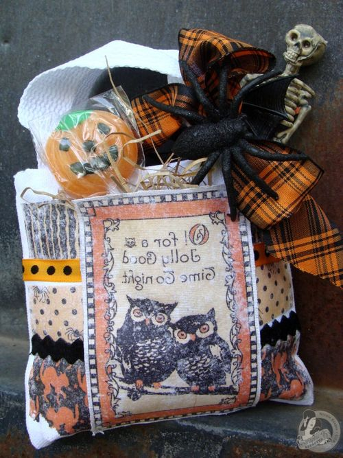 5 Nicole Eccles- August- G45 Happy Haunting Trick or Treat Bag