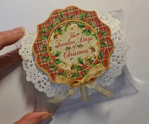 12 days of Christmas_ step x step_pillow box_ karen shady_step 2
