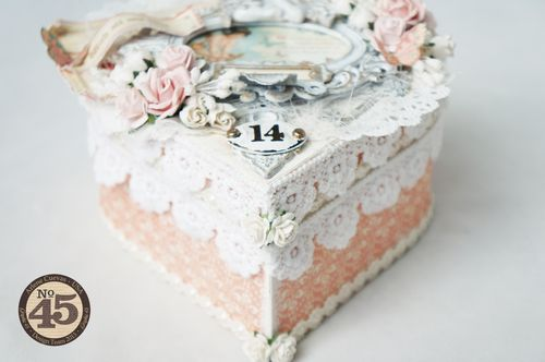Arlenecuevas_feb2014_SweetSentiments_AlteredHeartGiftBox_Photo3
