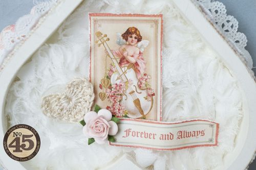 Arlenecuevas_feb2014_SweetSentiments_AlteredHeartGiftBox_Photo9