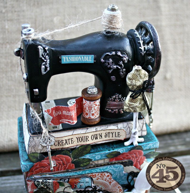Couture-Altered-Sewing-Machine-and-Mini-Album-Graphic-45-Miranda-Edney-2-of-8