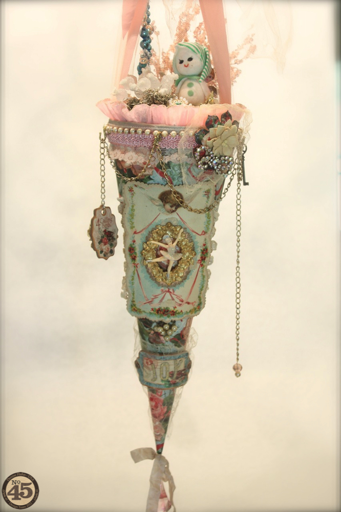 Denise_Hahn_Graphic_45_12_Days_of_Christmas_Victorian_Tussy_Mussy - 14-imp