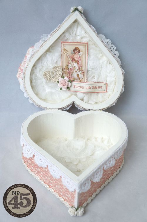 Arlenecuevas_feb2014_SweetSentiments_AlteredHeartGiftBox_Photo5