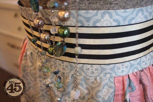 Denise_hahn_graphic_45_ladies_diary_apron_and_gift_box - 4-imp