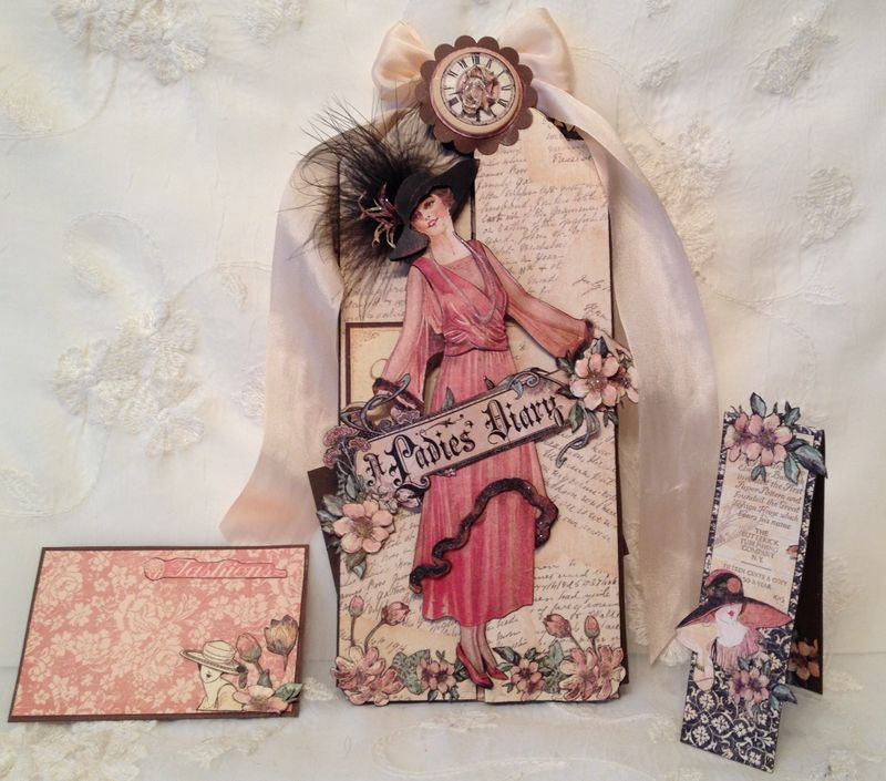 A LADIES DIARY - TAG STAPLES - GRAPHIC 45 - PHOTO DISPLAY - MINI AØBUM - ANNESPAPERCREATIONS - KREATIV SKRAPPING -  2