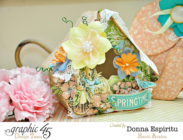 What a lovely birdhouse. Easter and spring decorations from Donna! #Graphic45