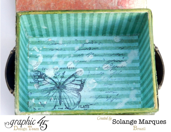Love the mixed media magic inside this ATC Book Box by Solange #graphic45