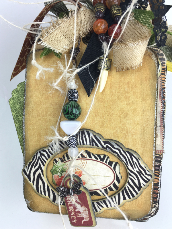 Safari Tag Travel Album With Storage Case, Safari Adventure, Tutorial by Sandy Trefger, Product by Graphic 45, Photo 1