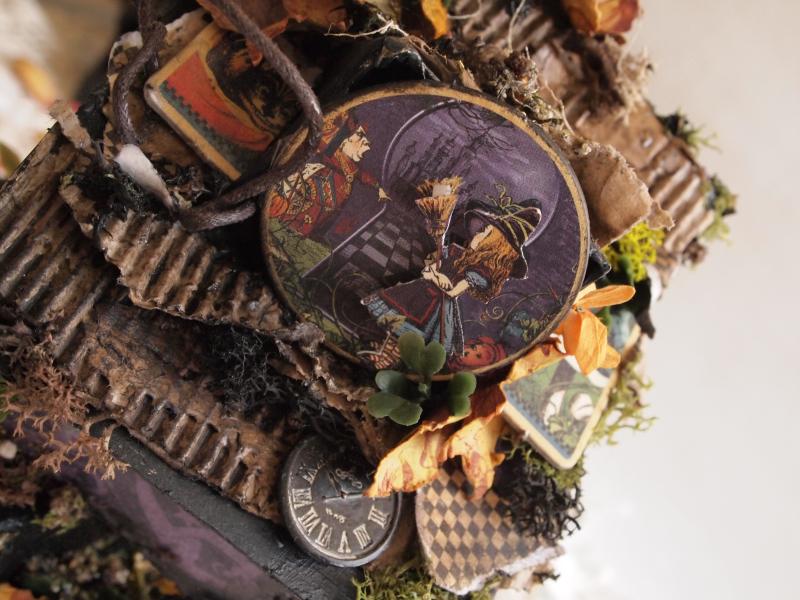 Olga september house of boxes haloween in wonderland (3)