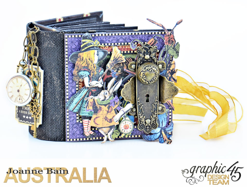 Mini-Tag-Album,-Halloween-In-Wonderland,-By-Joanne-Bain,-Product-by-Graphic-45,-Photo-3