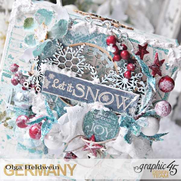 December assigment - olga christmas album with sqare tags and cafe parisian (14)