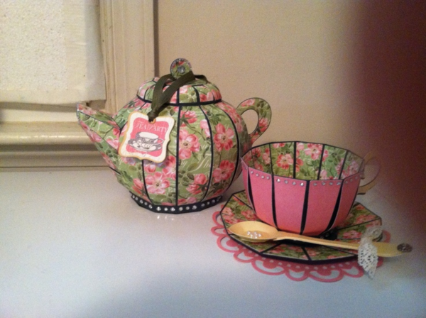 Jennifer Guy Eby Botanical Tea set