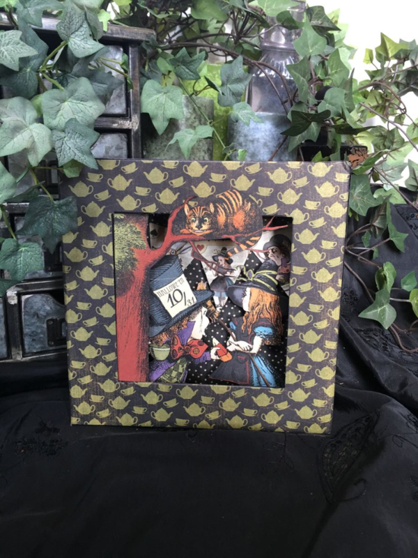 Hallowe'en in Wonderland shadowbox from Diane's Workshop #graphic45
