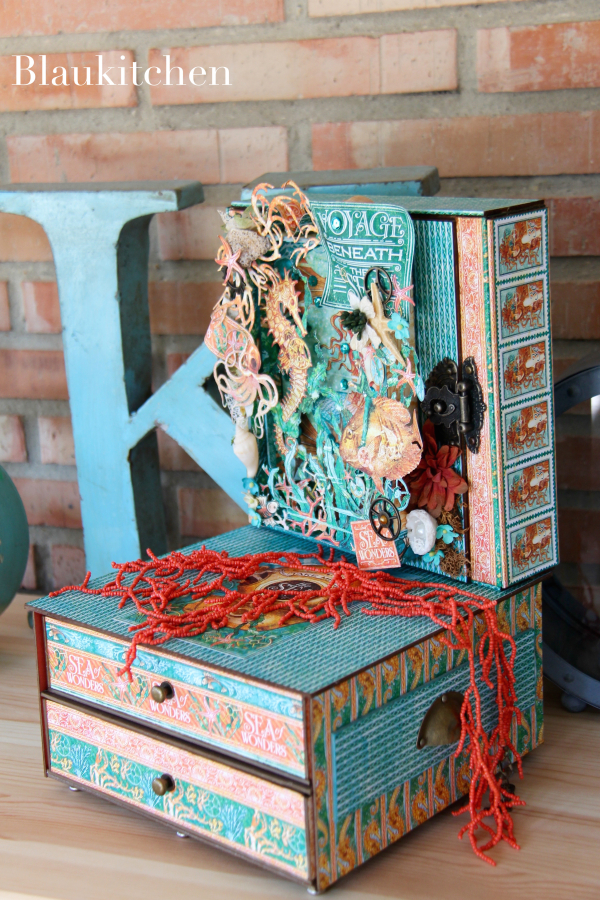 Jewelry Case Voyage Beneath the Sea by Marina Blaukitchen, Product by Graphic 45 Photo 1