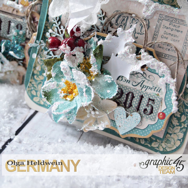 December assigment - olga christmas album with sqare tags and cafe parisian (4)